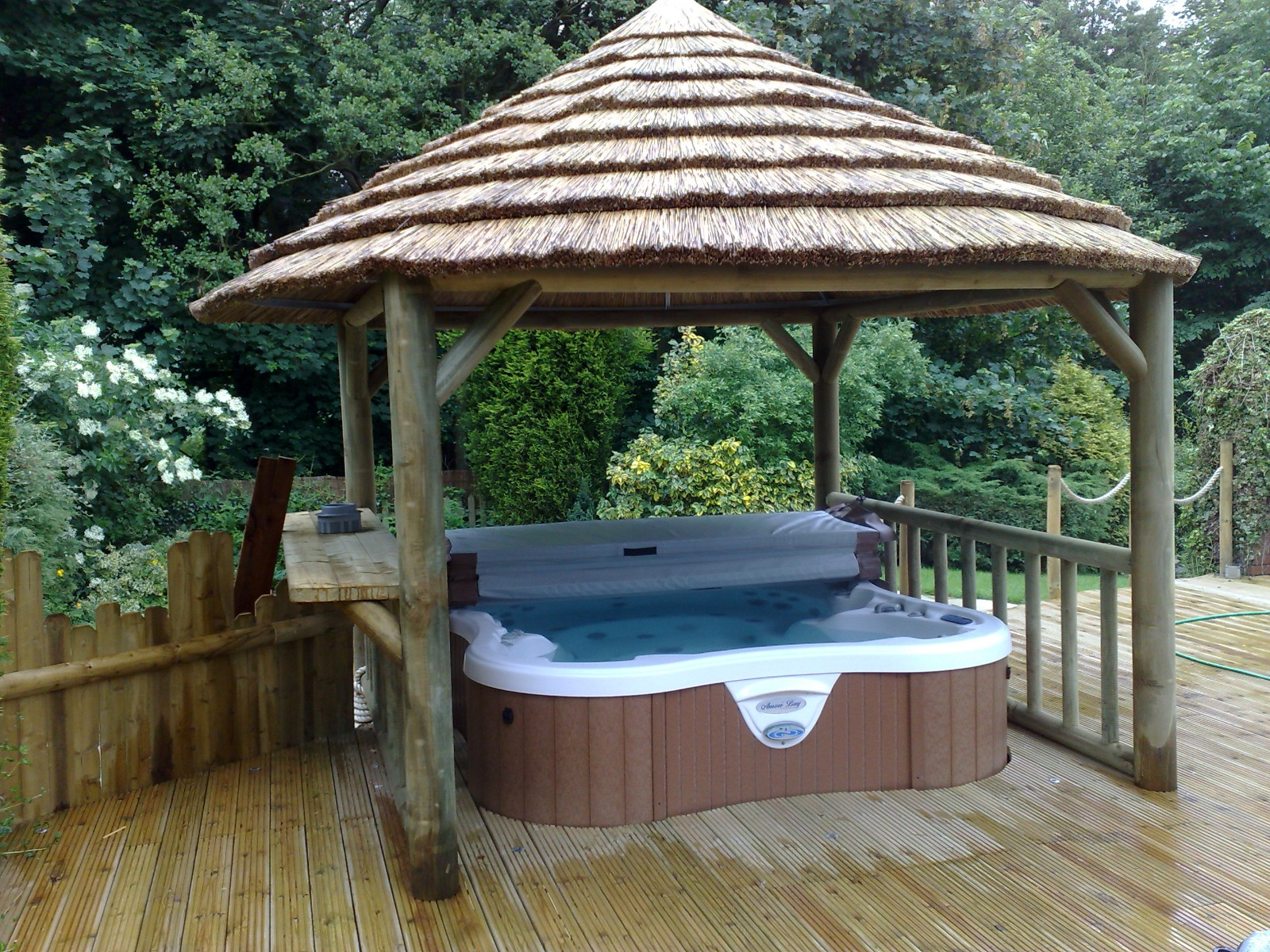 Thatched Hot Tub Enclosures