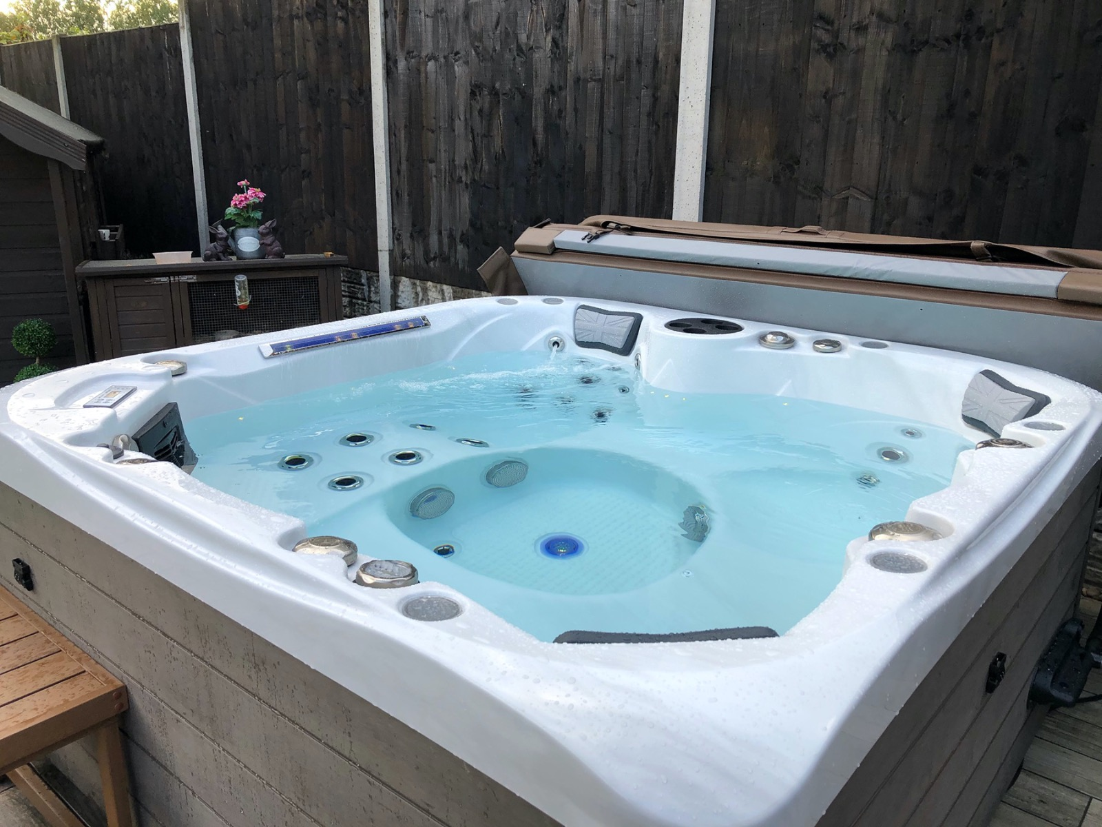 British Hot Tubs Spencer