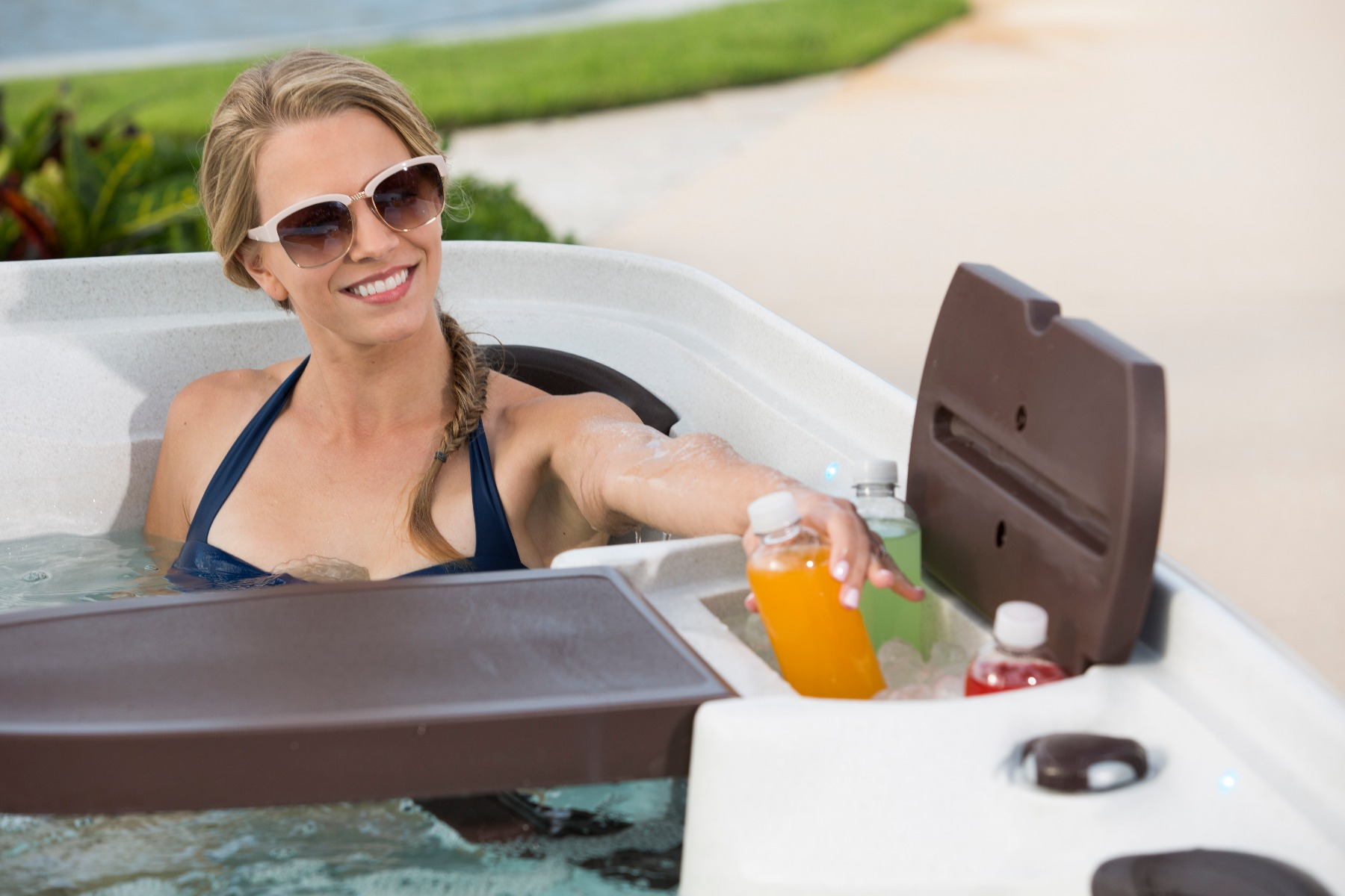 A built-in drinks cooler is perfect for keeping hydrated in your Hot Tub