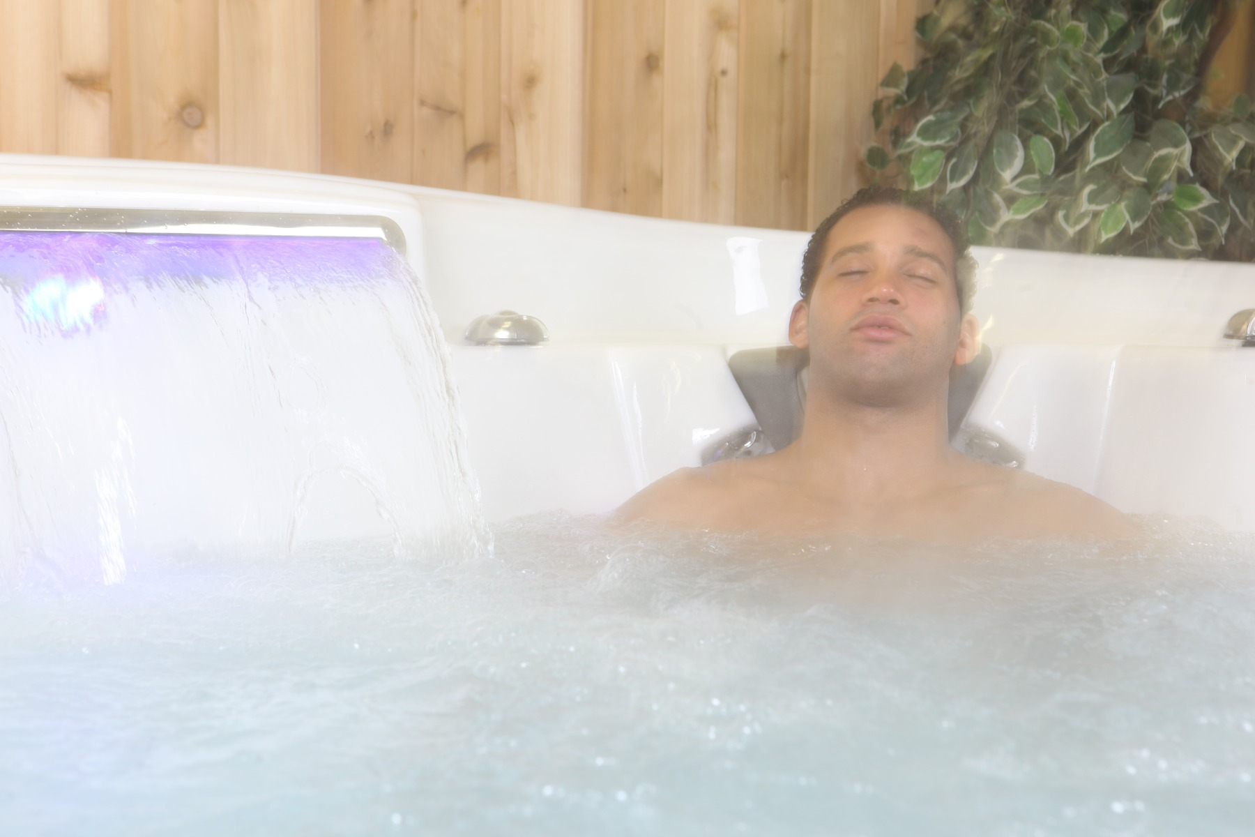 Hydrotherapy massage from Hot Tubs is beneficial to Rheumatoid Arthritis Sufferers