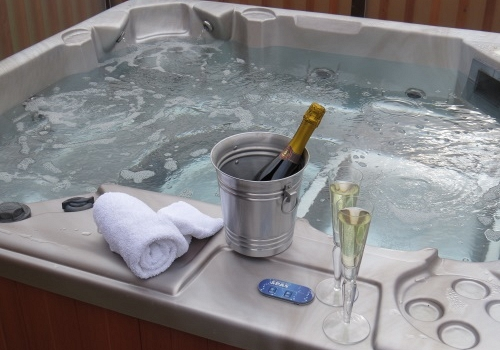 Hot Tub Holidays in the Peak District National Park