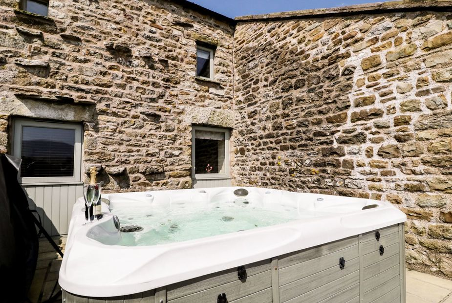 Hot Tub Holidays in the Yorkshire Dales National Park