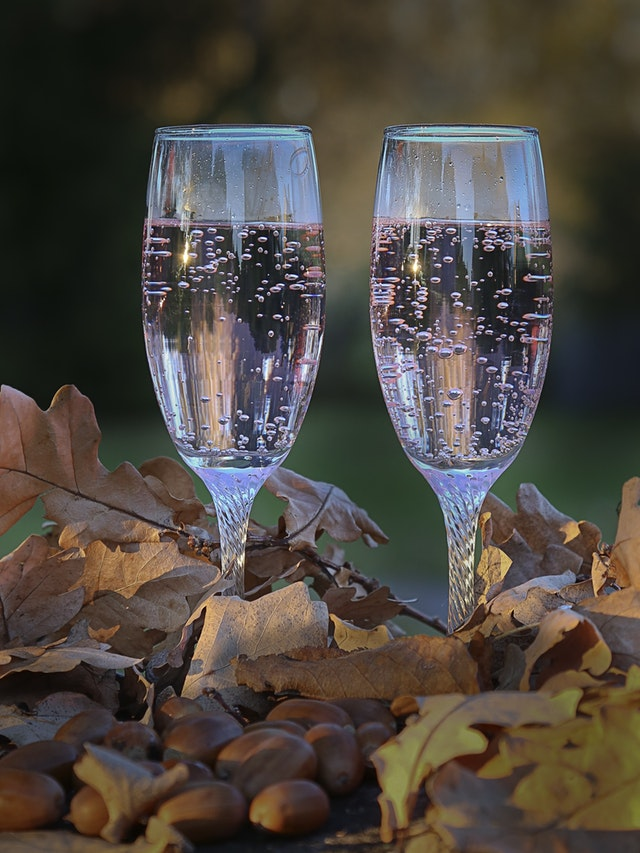 Acrylic drinks flutes are the perfect alternative to glass for enjoying champagne in your Hot Tub
