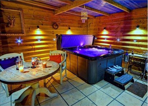 Hot Tub in Cabin
